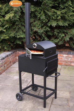 - New outdoor & pizza oven