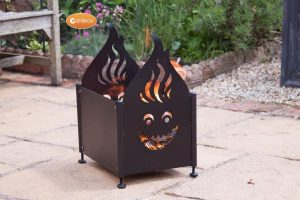 - Wacky - Fireplace with flame and face cutouts