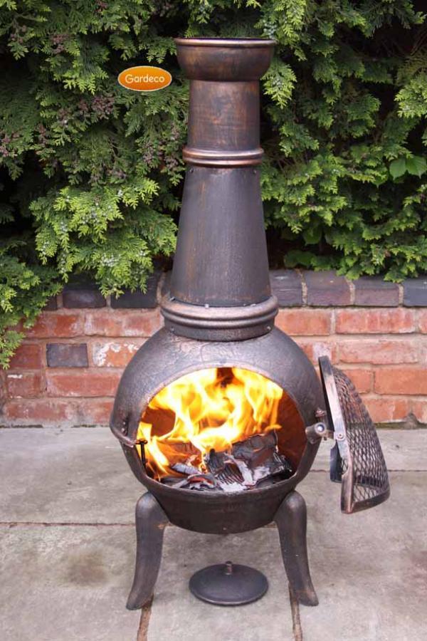 - Granada XL cast iron chimenea